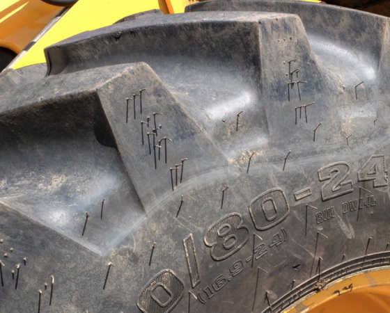 грунтозацепы на шинах для экскаваторах погрузчиках